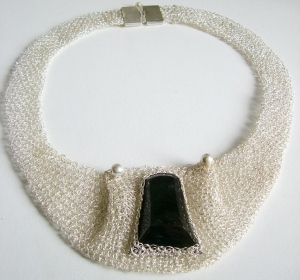 Gargantilla de Hilos de Plata y Perlas